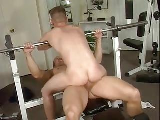 seks-sportzal-onlayn